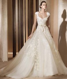 V-Neck Vintage Wedding Dresses 2012