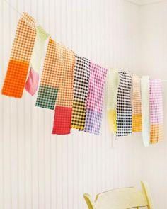 Guirnalda con retazos de tela teñidos  #DIY