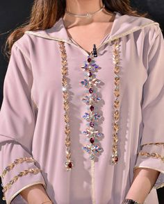 Rafinity haute couture Abaya Style, Hijab Style, Hand Embroidery Dress, Embroidery Suits, Morrocan Fashion, Girl Fashion, Fashion Outfits, Womens Fashion, Moroccan Caftan