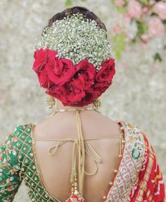 Pretty Hairstyle for Traditional Bride 👰 Bridal Buns with Roses and baby's breath are our favorite 👍 Like this page for more beautiful Bridal Hairstyle Indian Wedding, Wedding Hairstyle Images, Bridal Hair Buns, Unique Wedding Hairstyles, Indian Wedding Hairstyles, Hairstyles For Gowns, Saree Hairstyles, Bride Hairstyles, My Hairstyle
