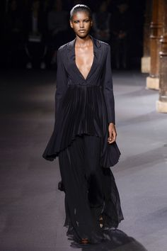Vionnet - Spring/Summer 2016 Ready-To-Wear - PFW (Vogue.co.uk)
