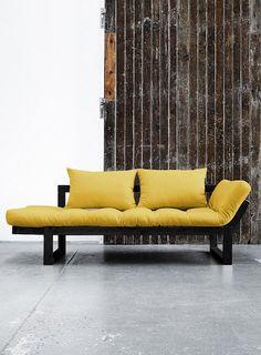 Iti doresti un design versatil? Canapeaua Edge se transforma printr-o singura miscare intr-un pat confortabil! #SomProduct #inspiring #comfort #yellow #couch