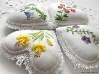 Машинная вышивка: февраль - месяц милых мелочей