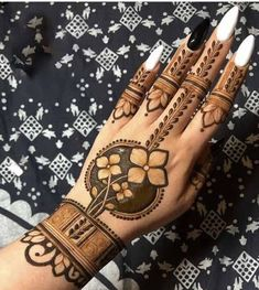 94 Easy Mehndi Designs For Your Gorgeous Henna Look Rose Mehndi Designs, Henna Art Designs, Indian Mehndi Designs, Mehndi Designs For Girls, Mehndi Designs 2018, Stylish Mehndi Designs, Wedding Mehndi Designs, Mehndi Design Pictures, Latest Henna Designs