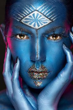 """by tomas skaringa  """"my definition of weird: anybody who is a leader and follows their heart"""" -cudi Maquillage Halloween, Halloween Makeup, Fantasy Make Up, Too Faced, Make Up Art, Portraits, Creative Makeup, Model Photographers, Face Art"""