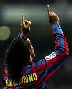 Ronaldinho Legend 10R ´´´´´´´´´´´ http://www.youtube.com/watch?v=mLFTMw1VX3o