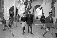 Michel D'orleans Marries Beatrice De Pasquier De Franclieu. Au Maroc, à Casablanca, en novembre 1967, à l'occasion de leur mariage, le Prince Michel D'ORLEANS, et son épouse Béatrice DE PASQUIER DE FRANCLIEU, devenant la Princesse Béatrice D'ORLEANS, se promenant dans le souk ou la médina.