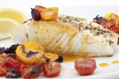 SOUS VIDE HALIBUT - For a quick and simple fish recipe, try this delicious halibut with a sauce of your choice. Cooked sous vide, this dish guarantees tender fish every time. Easy Fish Recipes, Unique Recipes, Seafood Recipes, Top Recipes, Grilled Halibut Recipes, Fennel Recipes, Cabbage Recipes, Roasted Walnuts, Seafood