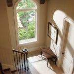 European Taste傾斜の緩やかな屋根は明るい色の瓦と白い窓の取り合わせがリゾート気分を誘います。 半円形の窓から柔らかな光が降り注ぎ、ひときわ美しい陰影を刻みます。