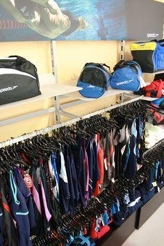 Cerchi un #costume per la #piscina? Un telo? Una #borsa per la #palestra? Approfitta delle offerte incredibili dell'#outlet Angolo dello Sport! www.angolodellosport.com