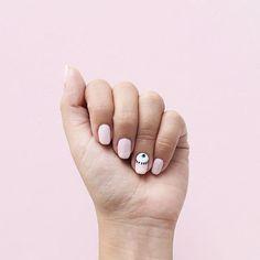 Las nuevasEstoy enamorada de esta tendencia  y más en las uñas (como ya lo habrán podido notar) Gracias de nuevo a Iveth Nails (En Tehuacán) por de nuevo y como siempre.. Hacer posible todo lo que quiera Si se las hacen también mándenme o etiquétenme en sus fotos #eyenails