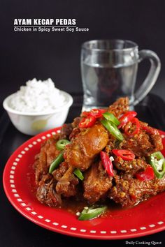 Chicken in Spicy Sweet Soy Sauce. Ayam Kecap Pedas - Indonesian chicken in spicy sweet soy sauce Malaysian Cuisine, Malaysian Food, Malaysian Recipes, Asian Recipes, Healthy Recipes, Ethnic Recipes, Indonesian Cuisine, Indonesian Recipes, Indonesian Chicken Recipe