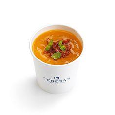 BETA CAROCRÈME  soup: calabaza zanahoria cúrcuma patata y puerro  topping: tomate seco y albahaca  facts: deliciosamente beneficiosa para la piel y la vista  by teresasstairway