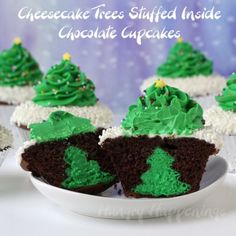 Hungry Happenings: Cheesecake Stuffed Christmas Tree Cupcakes