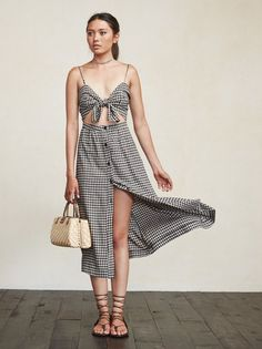 Remember summer? The Riley Dress is just a lovely thing that can help reacquaint you with warmth. https://www.thereformation.com/products/riley-dress-clinton?utm_source=pinterest&utm_medium=organic&utm_campaign=PinterestOwnedPins