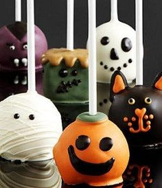 Halloween decorative cake pops by PrettyBakedCreations on Etsy https://www.etsy.com/listing/483689575/halloween-decorative-cake-pops