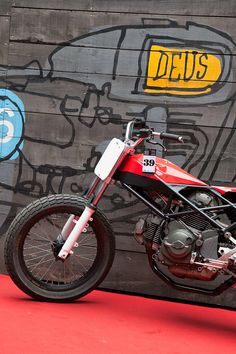 RocketGarage Cafe Racer: Ducati Flat Track