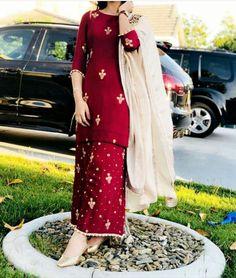 @manidrehar❤ Eid Outfits, Pakistani Outfits, Indian Outfits, Beautiful Suit, Beautiful Dresses, Sharara Suit, Churidar, Salwar Suits, New Dress Collection