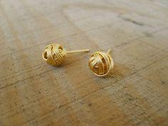 Sweet pompom stud-earrings in gold gold stud earrings by Peshka Tiny Stud Earrings, Etsy Earrings, Kids Earrings, Heart Earrings, Gold Earrings Designs, Gold Jewellery Design, Gold Studs, Gold Gold, Gold Jewelry Simple