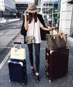 Chic travel style - Louis Vuitton Neverfull bag and Rimowa Luggage Rimowa Luggage, Travel Luggage, Airplane Outfits, Louis Vuitton Handbags, Lv Handbags, Louis Vuitton Luggage, Vuitton Bag, Fashion Handbags, Travel Style
