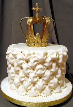 1441 by Branka Jovanovic Gorgeous Cakes, Amazing Cakes, Victoria Cakes, Sweet 16 Masquerade, Birtday Cake, Crown Cake, Love Cake, Edible Art, Cute Cakes
