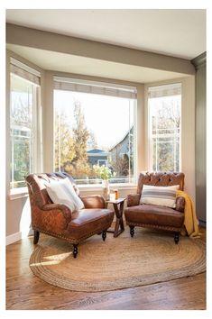 Bay Window Decor, Bay Window Design, Bay Window Living Room, My Living Room, Living Room Decor, Bay Window Seating, Bay Window Bedroom, Living Room With Windows, Window Seats