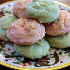 http://www.jamhands.net/2014/12/our-favorite-sour-cream-cookies-mccalls.html
