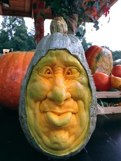 So THIS is what you do with hubbard squash! Ray Villafane squash carving