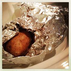 crockpot-baked potatoes | aneelee.wordpress.com