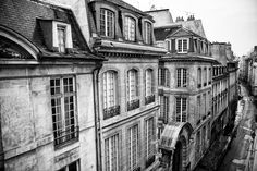 rue du temple, paris © michelle marshall