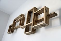 Examples of shelves that you can do with pallets