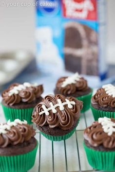These tailgate food ideas are AMAZING! We are hosting a Super Bowl party this year and this list has everything I need from appetizers potlucks crock pots wings crowd pleasures and sliders.