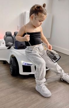 Cute Little Girls Outfits, Kids Outfits Girls, Baby Boy Outfits, Cute Kids Fashion, Little Girl Fashion, Toddler Fashion, Mother Daughter Outfits, Foto Baby, Toddler Girl Style