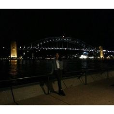작년 이맘때 가을 바람이 살랑이면 (여긴 봄 바람 이었지만) 늘 생각 날거야  #호주 #시드니 #하버브릿지 #오페라하우스  #harbourbridge #sydneyharbourbridge #sydney #operahouse by thisis02 http://ift.tt/1NRMbNv