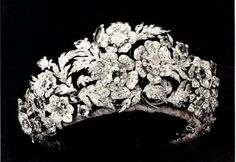 Italian Diamond Floral tiara. This tiara was a gift from Elizabeth of Saxony to her daughter Margaret on her marriage to Prince Umberto of Savoy. The tiara disassembles into five brooches.