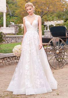 Kitty Chen wedding dress | http://trib.al/RVjoc8S