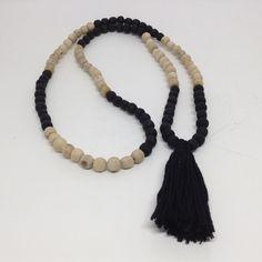 Japa Mala collier noir Tulsi Tulasi et par MahimaCreations sur Etsy