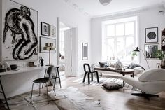 By Cleshawn Montague We all want stylish homes, but often times we feel uninspired or have no idea where to start the decoration process.While perusing Coco Lapine Design's well-curated. Stil Inspiration, Interior Inspiration, Gravity Home, Ideas Hogar, Tiny Apartments, Living Spaces, Living Room, Interior Decorating, Interior Design