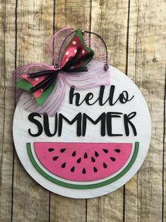 Round hand painted wood door hanger with pink watermelon slice and hello summer words Wooden Door Signs, Front Door Signs, Wooden Door Hangers, Wood Signs, Porch Signs, Diy Signs, Circle Crafts, Summer Signs, Dollar Tree Crafts
