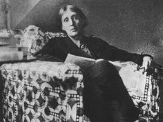 Virginia Woolf leyendo