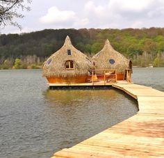 Dormir sur l'eau dans une Cabane flottante - Cabanes des Grands Lacs en Franche Comté @Claire Roger