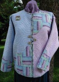 Quilted Jackets Made From Sweatshirts Quilted Sweatshirt Jacket, Quilted Jacket, Sweatshirt Makeover, Sweatshirt Refashion, Quilted Clothes, Sewing Clothes, Sweat Shirt, Cycling T Shirts, Jacket Pattern