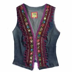 Ibiza Gilet Uniek giletje gemaakt van oude spijkerbroeken en sierbandjes Handma… Ibiza Gilet Unique waistcoat made from old jeans and decorative bands Handma … – Bohemian Style Clothing, Bohemian Blouses, Bohemian Mode, Hippie Style, Denim And Lace, Hippie Outfits, Jean Hippie, Diy Kleidung Upcycling, Ibiza