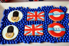 Boy's Royal Birthday Bash cookies www.spaceshipsandlaserbeams.com