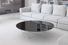 Discover the complete catalogue of Kendo Mobiliario products. All the Contemporary style furniture collections, prices, promotions and official Kendo Mobiliario resellers. Kendo, Coffee Table Design, Round Coffee Table, Yoshi, Contemporary Coffee Table, Decoration, Living Spaces, Furniture Design, New Homes
