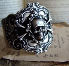 Marauder // Hedonist Collection // Antiqued Silver Victorian Metal Skull Cuff by BellaLili Metal Skull, Skull Art, Skull Jewelry, Gothic Jewelry, Skull Rings, Pirate Jewelry, Skull And Bones, Swagg, Antique Silver