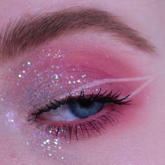 Fairy Eye Makeup, Rave Makeup, Eye Makeup Art, Pink Makeup, Makeup Geek, Crazy Eye Makeup, Eyeliner Makeup, Cool Makeup Looks, Pretty Makeup