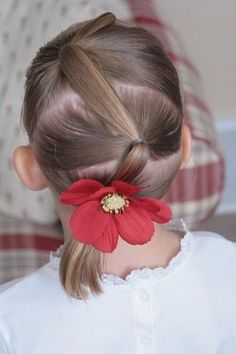 Blog with lots of cute little girl hair styles