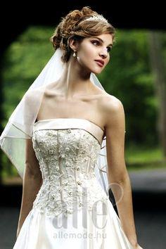 Esküvői ruha B-40818-1 ★★★ AlleMode esküvői ruhaszalon Budapest Teréz körút 12.
