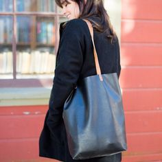 Sew your own Madewell-inspired leather tote bag with this free tutorial!